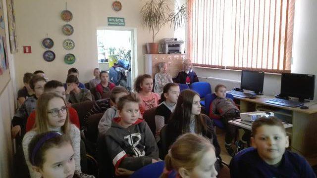 Uczniowie Szkoły Podstawowej wKosowach naspotkaniu czytelniczym wBibliotece Pedagogicznej wKolbuszowej…